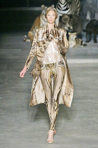 Alexander McQueen Spring 2009 Ready-to-wear Collections - 003