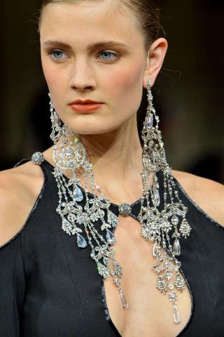 ALEXIS MABILLE FALL 2011 HAUTE COUTURE DETAIL 002