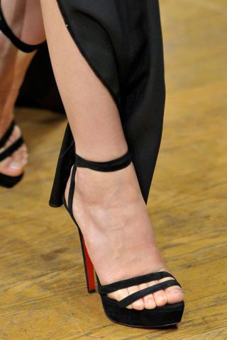 ALEXIS MABILLE FALL 2011 HAUTE COUTURE DETAIL 003