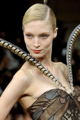 ALEXIS MABILLE FALL 2011 HAUTE COUTURE BEAUTY 002