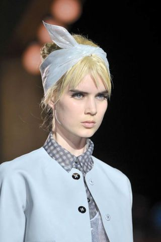 MARC JACOBS SPRING 2012 RTW BEAUTY 003