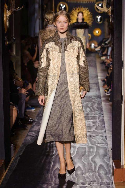 Outerwear, Dress, Style, Fashion show, Runway, Fashion model, Fashion, High heels, Street fashion, Fur,
