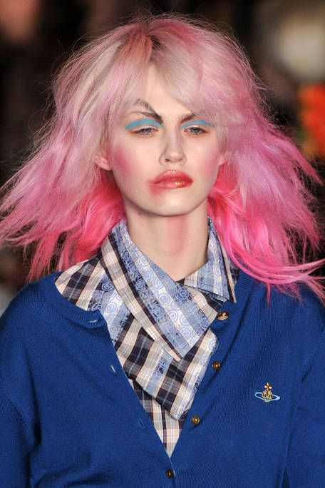 VIVIENNE WESTWOOD RED LABEL FALL RTW 2011 BEAUTY 001