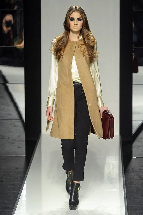 AIGNER FALL 2011 RTW PODIUM 002