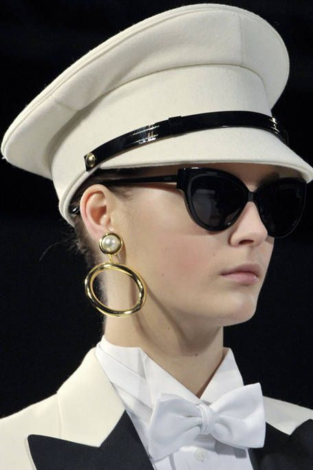 7526900a56 Moschino Fall 2011 Beauty - Moschino Ready-To-Wear Collection