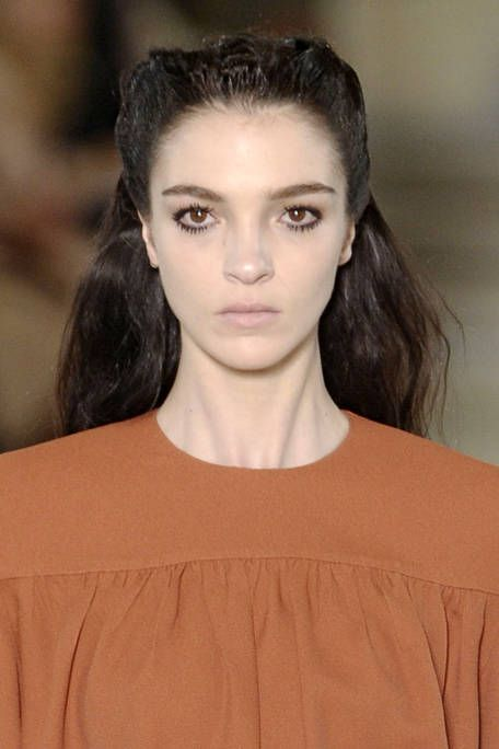 MIU MIU FALL RTW 2011 BEAUTY 001