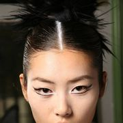 JEAN PAUL GAULTIER FALL 2011 HAUTE COUTURE BACKSTAGE 001