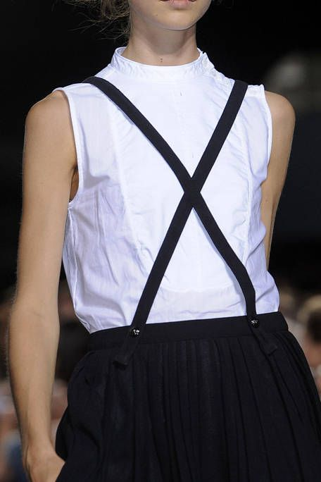 BOY AND GIRL SPRING 2012 RTW DETAIL 003