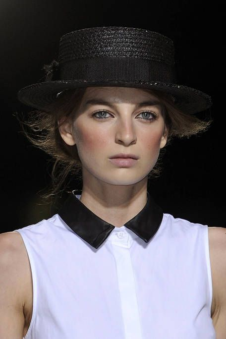 BOY AND GIRL SPRING 2012 RTW BEAUTY 001