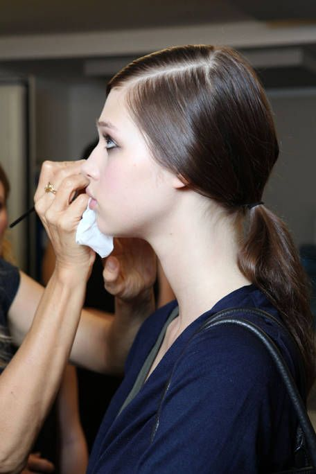 TORY BURCH SPRING 2012 RTW BACKSTAGE 001