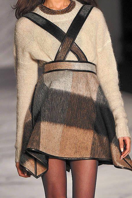 Sleeve, Shoulder, Textile, Joint, Pattern, Fashion, Street fashion, Beige, Woolen, Wool,