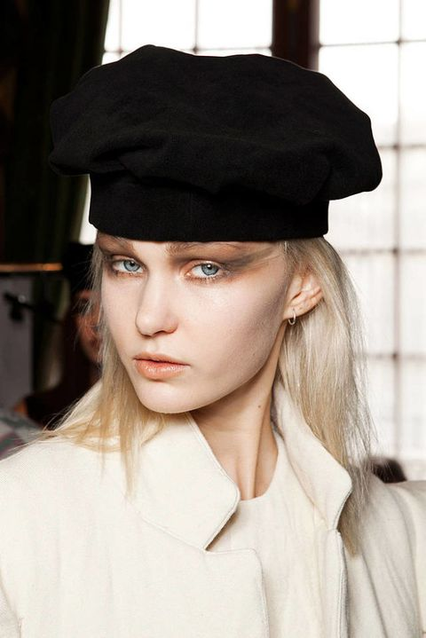 Moon youg hee FALL 2012 RTW beauty 003