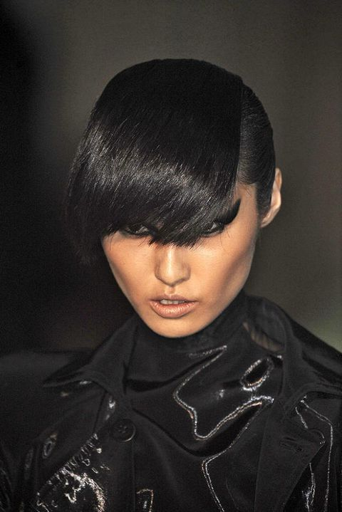 THIERRY MUGLER FALL 2011 RTW BEAUTY 003