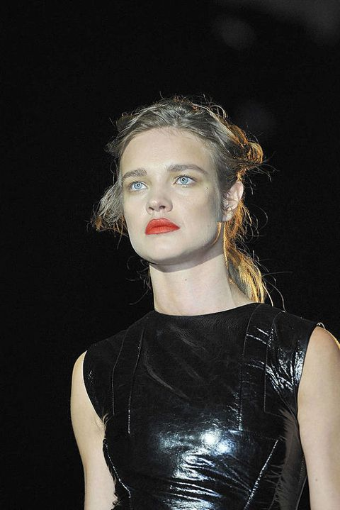 Hakaan FALL 2011 RTW beauty 002