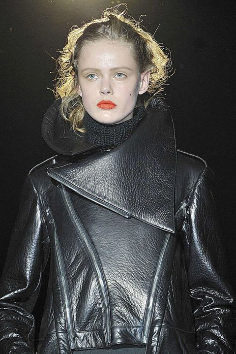 Hakaan FALL 2011 RTW beauty 003