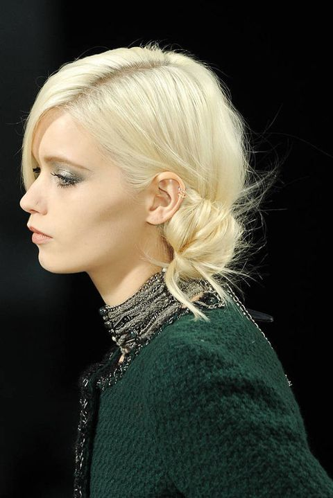 Chanel FALL 2011 RTW beauty 002