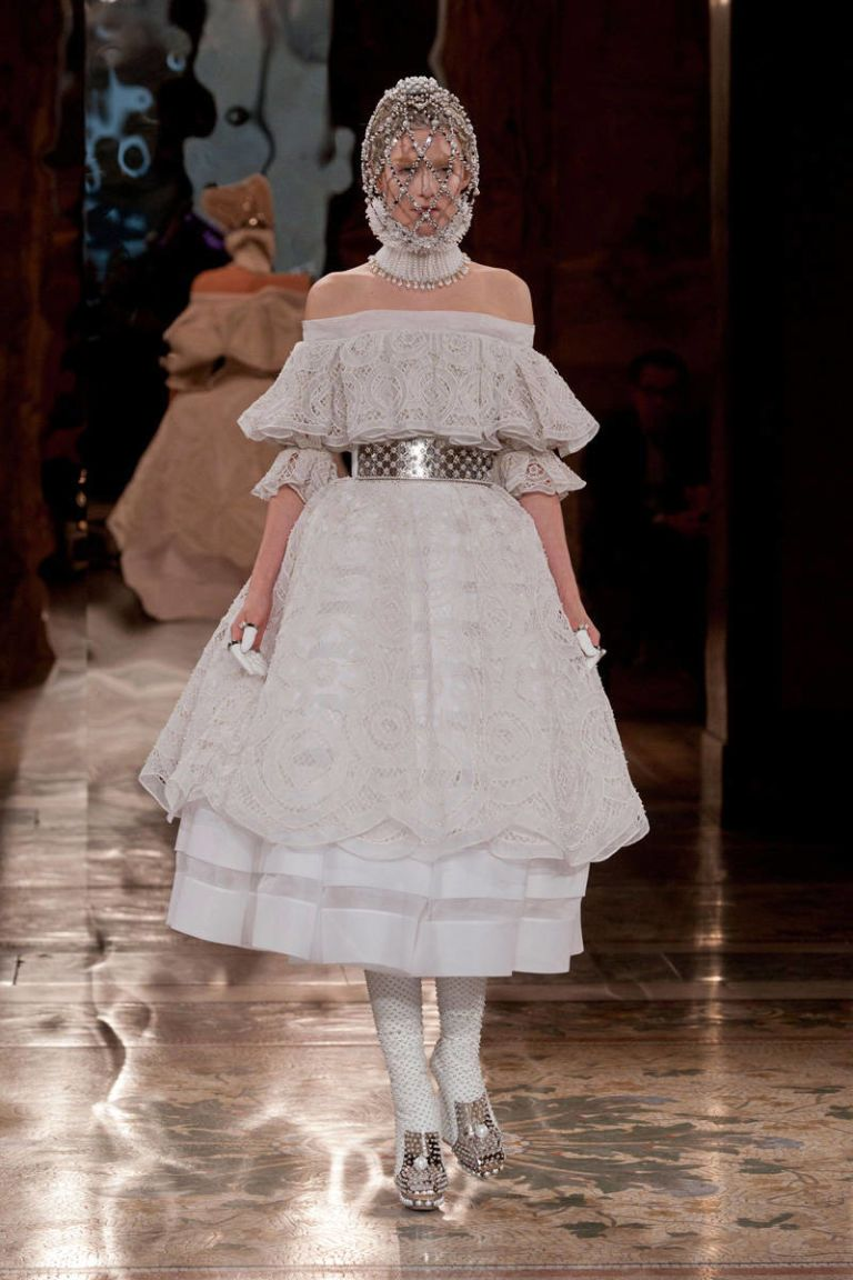 alexander mcqueen fall 2013 ready-to-wear photos
