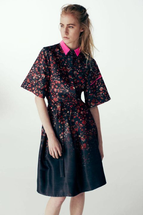 Sleeve, Collar, Shoulder, Textile, Joint, Pattern, Standing, Style, Fashion, Neck,