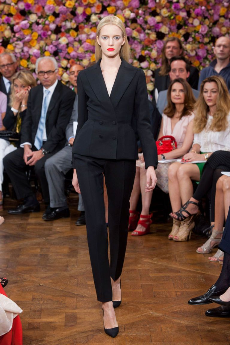 Christian Dior Fall 2012 Haute Couture Photos