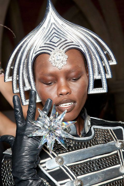 philip treacy spring 2013 ready-to-wear photos