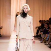 Fashion show, Shoulder, Human leg, Joint, Outerwear, Fashion model, Runway, Style, Street fashion, Waist,