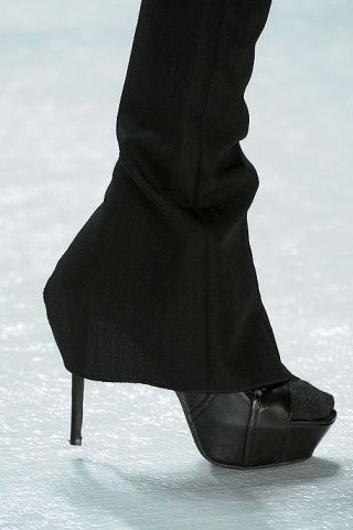 Textile, Black, Boot, Leather, Snow, Ankle, Shadow,