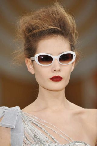 Clothing, Eyewear, Ear, Vision care, Glasses, Earrings, Lip, Hairstyle, Chin, Forehead,