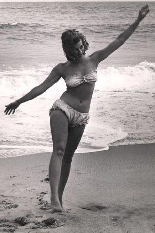 1946 bikini girl
