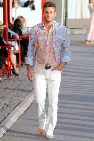 Leg, Dress shirt, Shoulder, Shirt, Textile, Joint, Style, Collar, Street fashion, Fashion,
