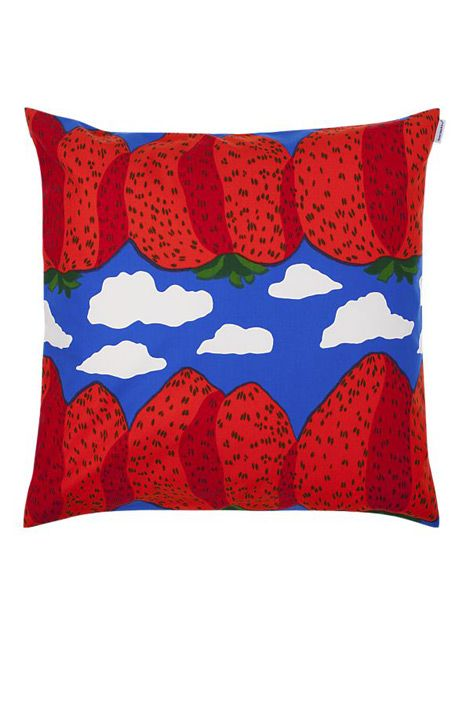 "Marimekko ""Pieni Mansikkavuoret"" strawberry pillow"