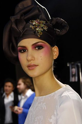 Christophe Josse Spring 2008 Haute Couture Backstage - 002