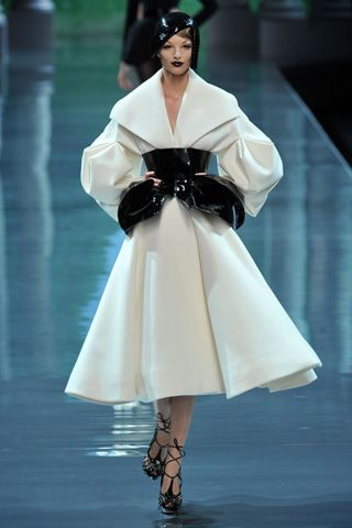 Christian Dior Fall 2008 Haute Couture Collections - 001
