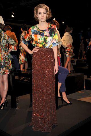 Clothing, Dress, Style, Fashion, Fashion show, Fashion model, Public event, One-piece garment, Runway, High heels,
