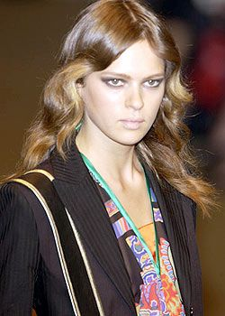 Etro Spring 2004 Ready-to-Wear Detail 0001