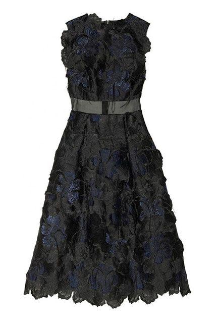 Dress, Sleeve, Textile, One-piece garment, Formal wear, Pattern, Day dress, Fashion, Black, Embellishment,