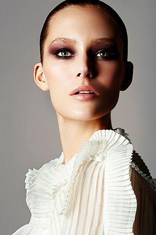 Lip, Hairstyle, Eye, Skin, Chin, Forehead, Eyebrow, Eyelash, Style, Iris,