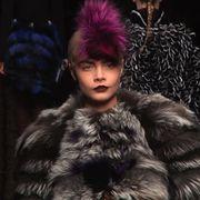 Textile, Fur clothing, Natural material, Animal product, Fashion, Darkness, Fur, Fashion model, Hair coloring, Fashion design,