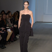 Shoulder, Joint, Fashion show, Style, Dress, Runway, Fashion model, Fashion, Waist, Fashion design,