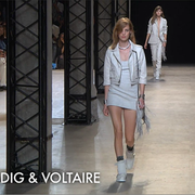 Footwear, Leg, Fashion show, Runway, Shoulder, Outerwear, Human leg, Style, Fashion model, Thigh,