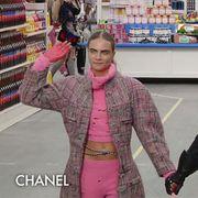 Arm, Sleeve, Sunglasses, Goggles, Fashion, Street fashion, Retail, Gesture, Costume, Glove,