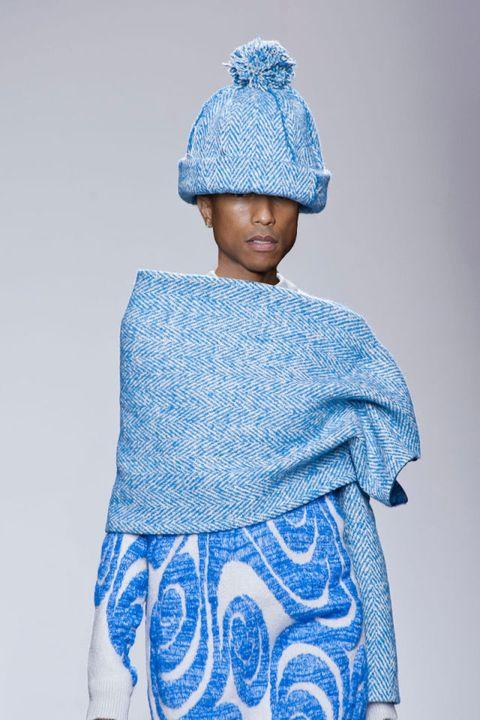 Blue, Sleeve, Textile, Electric blue, Headgear, Costume accessory, Fashion, Pattern, Azure, Cobalt blue,