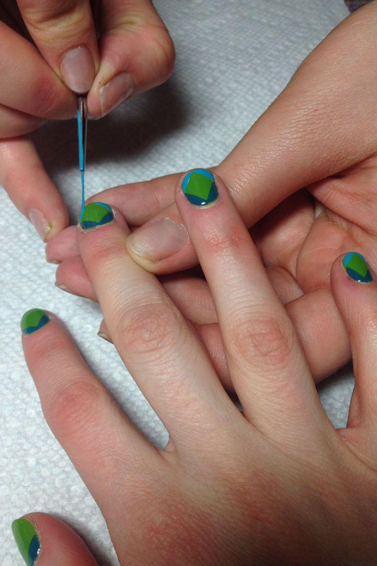 The Superbowl Fanicure - Seahawks and Broncos Nail Art Tutorial
