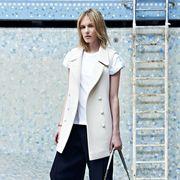 Sleeve, Collar, Shoulder, Bag, Outerwear, Style, Street fashion, Blazer, Luggage and bags, Fashion,
