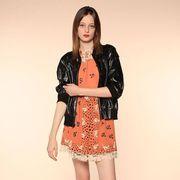 Sleeve, Shoulder, Human leg, Joint, Style, Pattern, Knee, Fashion, Neck, Day dress,