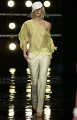 Alessandro Dell'Acqua Spring 2002 Ready-to-Wear Collection 0002