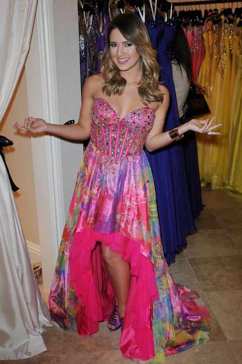 55572265446 Prom Dresses Through the Years - An Evolution