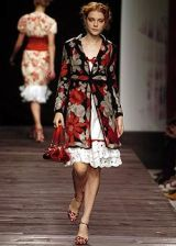 Moschino Spring 2005 Ready-to-Wear Collections 0003
