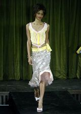Betsey Johnson Spring 2005 Ready-to-Wear Collections 0002