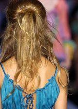 Alberta Ferretti Spring 2005 Ready-to-Wear Detail 0002