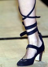 Vivienne Westwood Spring 2005 Ready-to-Wear Detail 0002